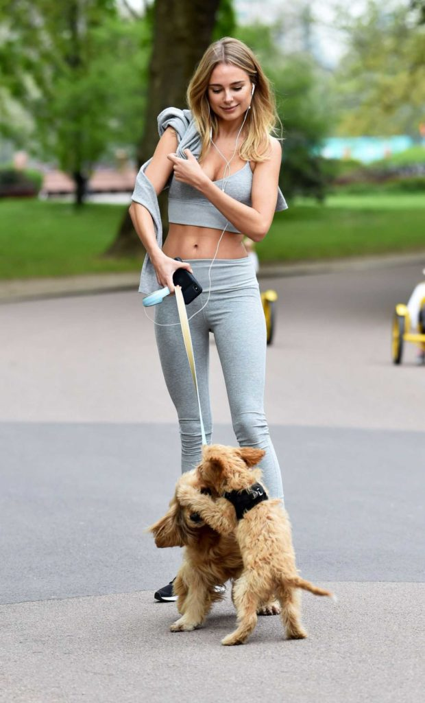 Kimberley Garner in a Gray Workout Clothes