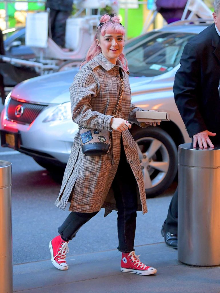 Maisie Williams in a Red Converse All-Star High Tops