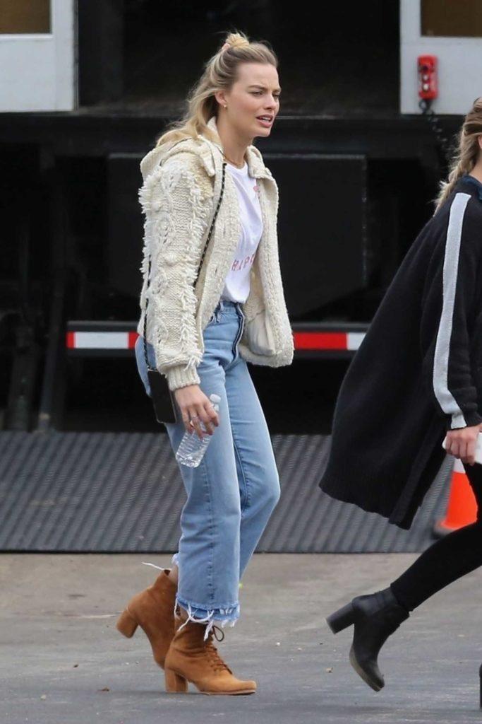 Margot Robbie in a Blue Jeans