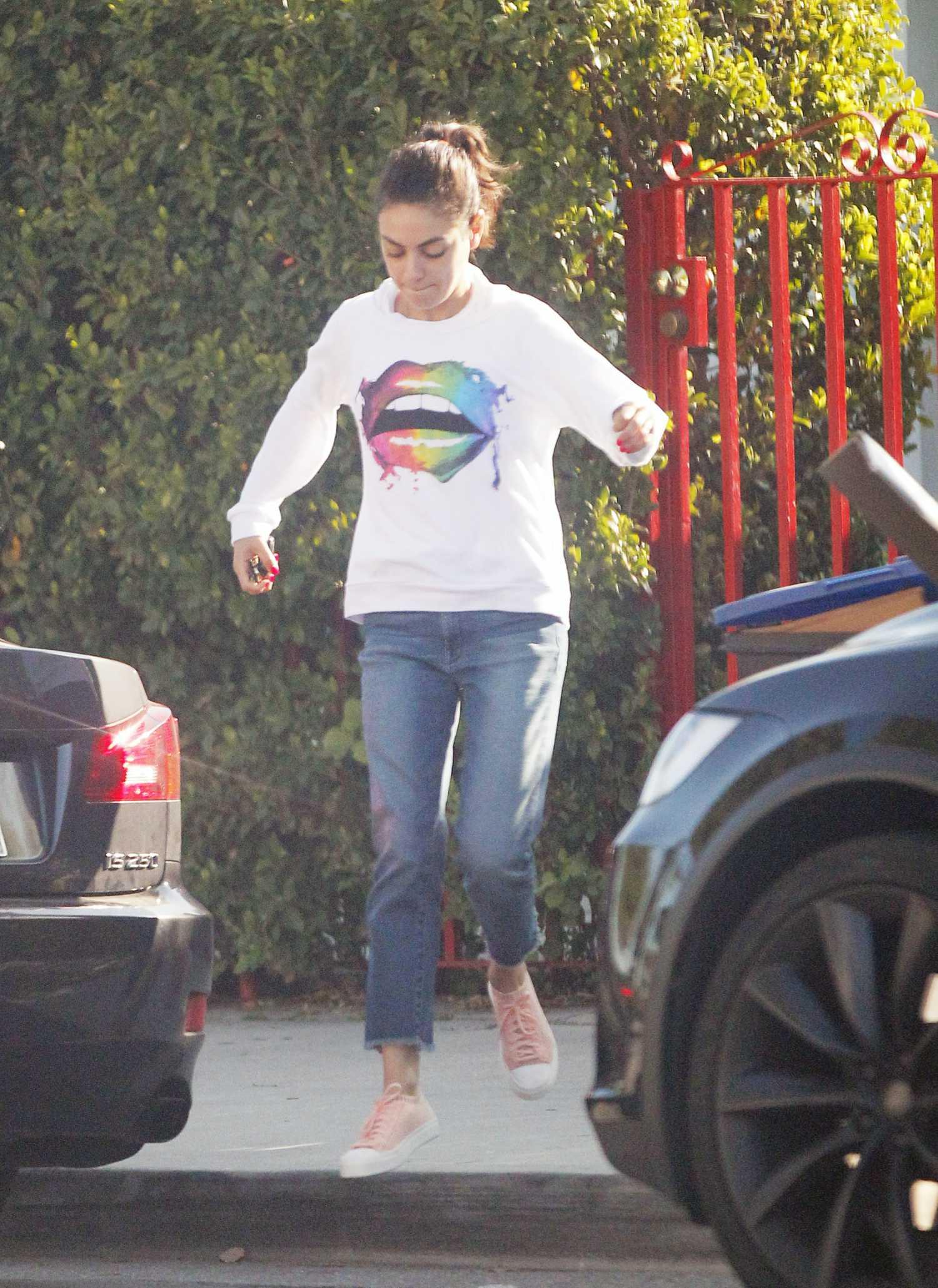 7251b08471c Mila Kunis in a White Sweatshirt Was Seen Out in Los Angeles – Celeb ...