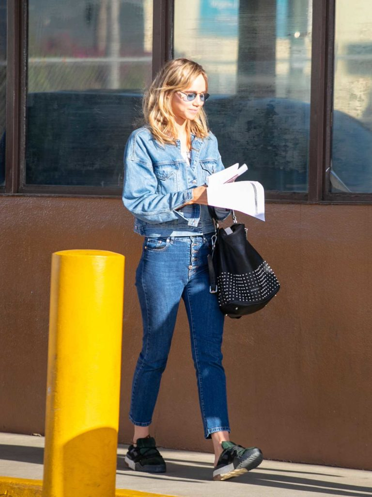 Suki Waterhouse in a Blue Denim Jacket