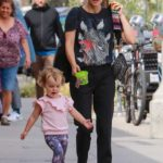 Natalie Portman in a Black T-Shirt Goes Shopping Out with Her Daughter in Glendale