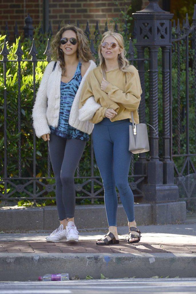 Sienna Miller in a Blue Leggings