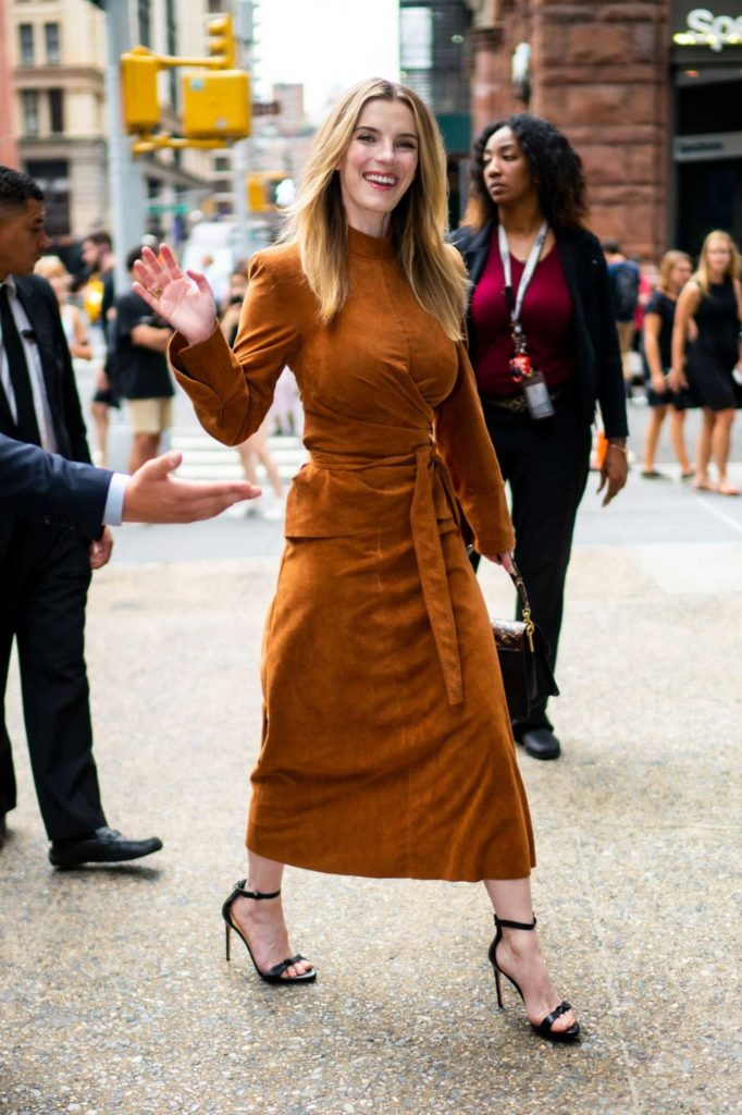 Betty GIlpin in an Orange Suit