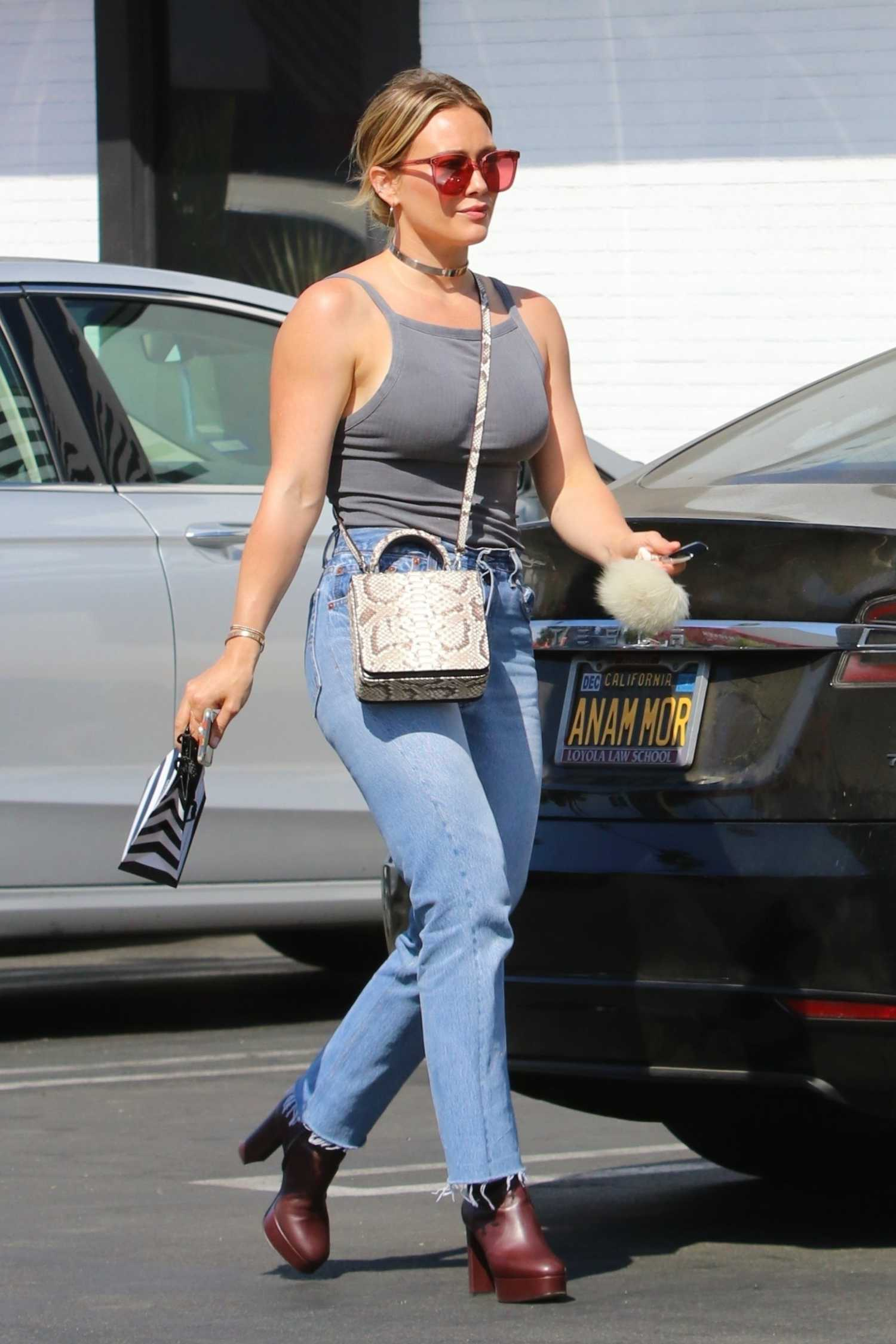 Hilary Duff in a Gray Top Goes Shopping at Sephora Store