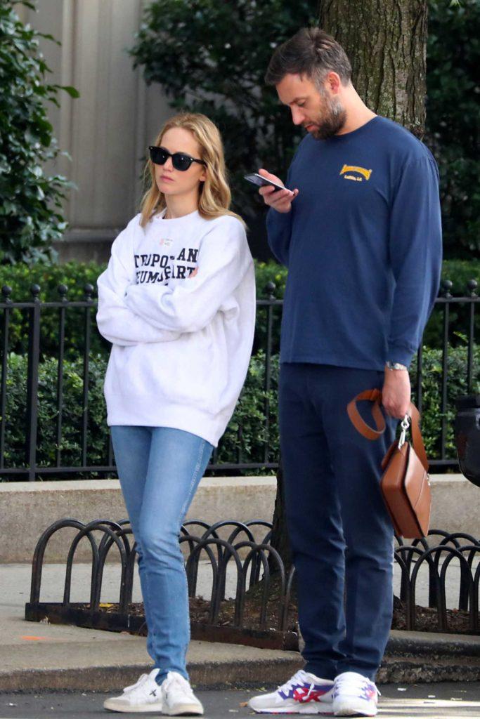 Jennifer Lawrence in a White Sweatshirt