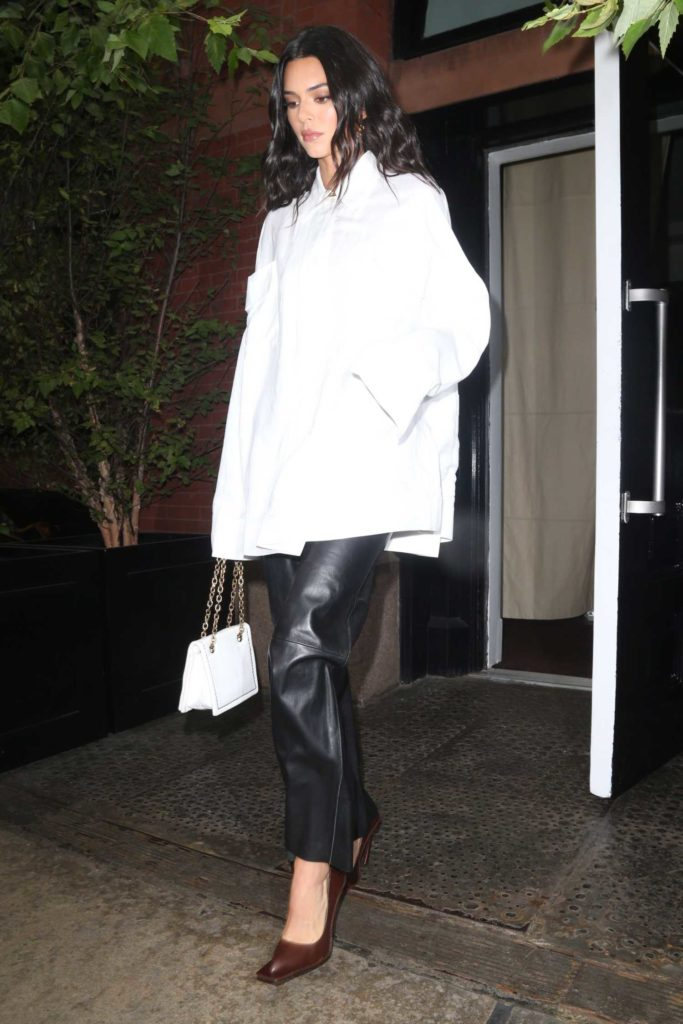 Kendall Jenner in a White Oversized Blouse