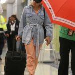Scarlett Johansson in a Black Cap Arrives at JFK Airport in NY