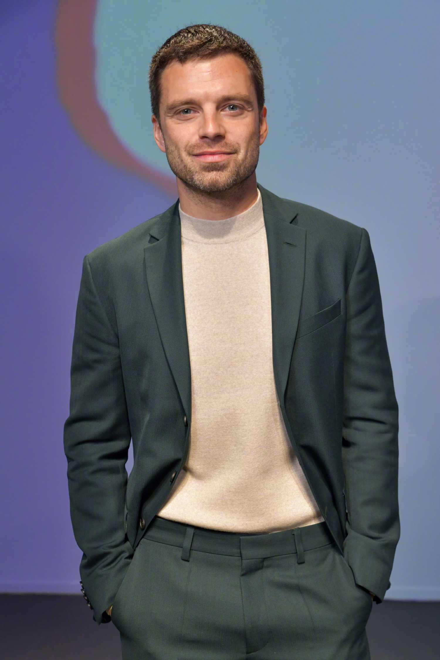 Homepage Fashion: Sebastian Stan In A Green Suit Attends The Boss Fashion