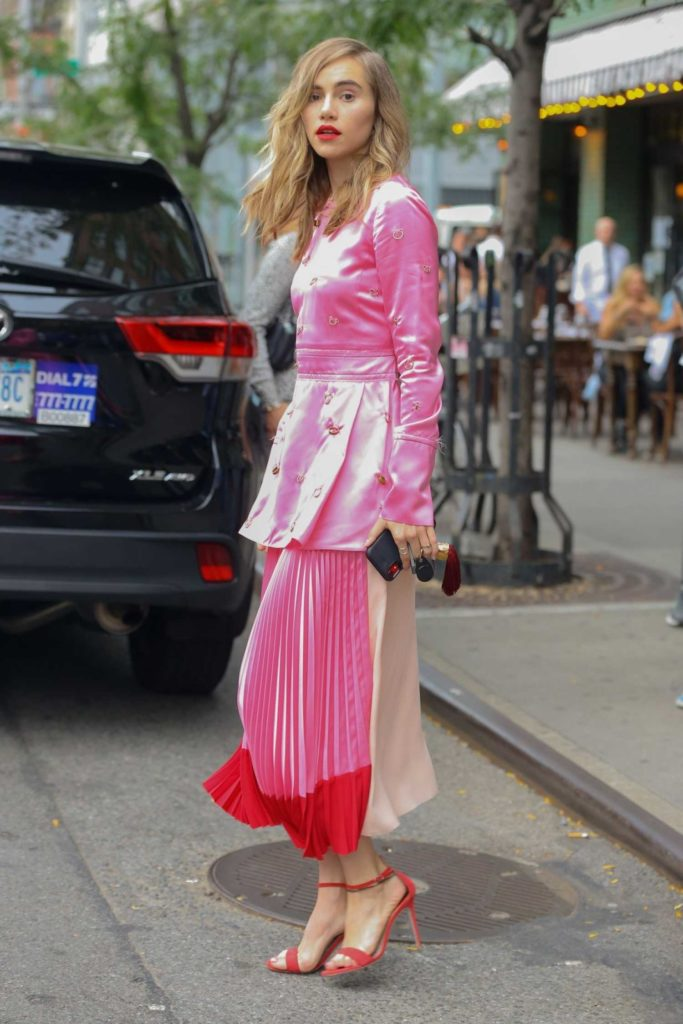 Suki Waterhouse in a Pink Blouse