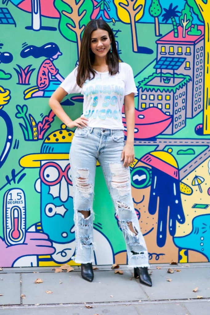 Victoria Justice in a Blue Ripped Jeans