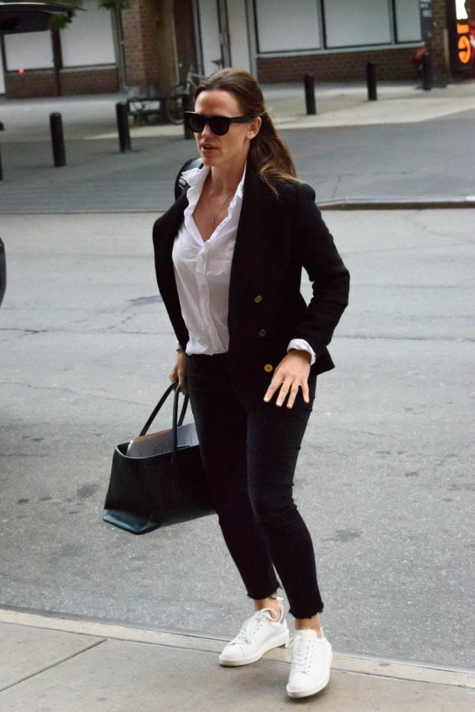 Jennifer Garner in a Black Blazer