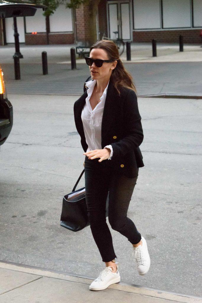 Jennifer Garner in a Black Blazer