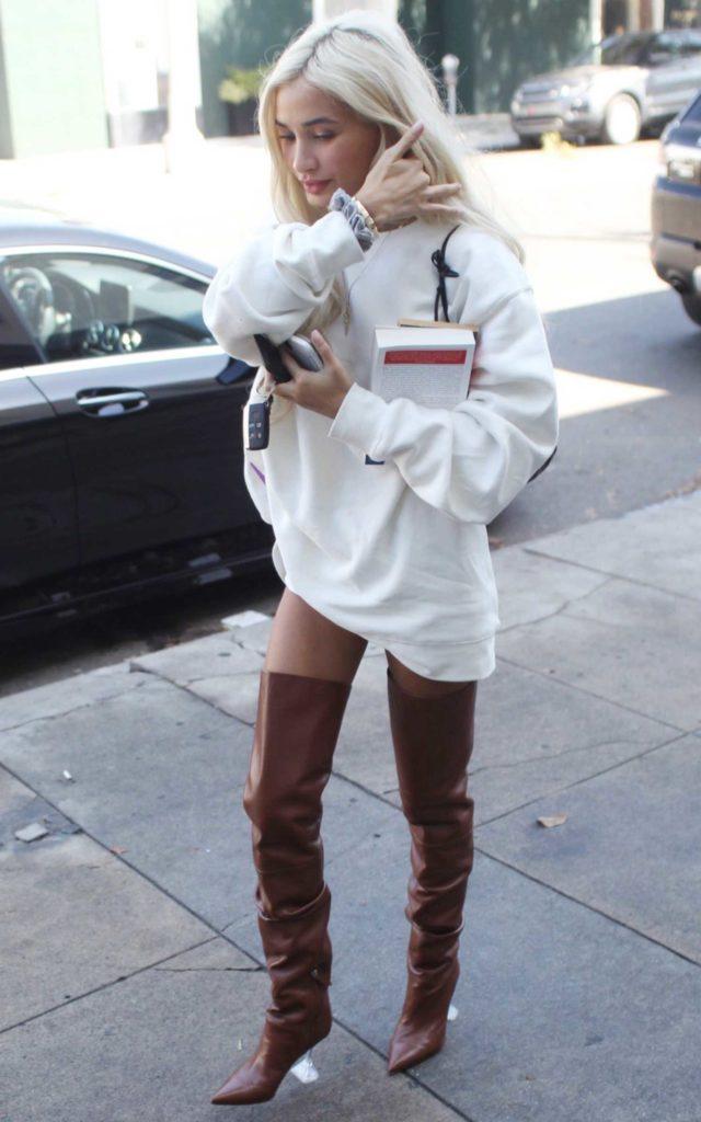 Pia Mia in a White Sweatshirt