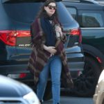 Anne Hathaway in a Blue Jeans Was Seen Out in Connecticut