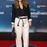 Drew Barrymore Attends the 8th Annual Breakthrough Prize Ceremony in Mountain View
