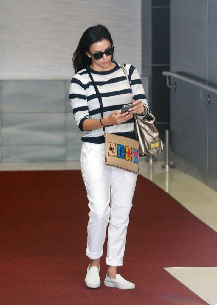 Eva Longoria in a White Pants