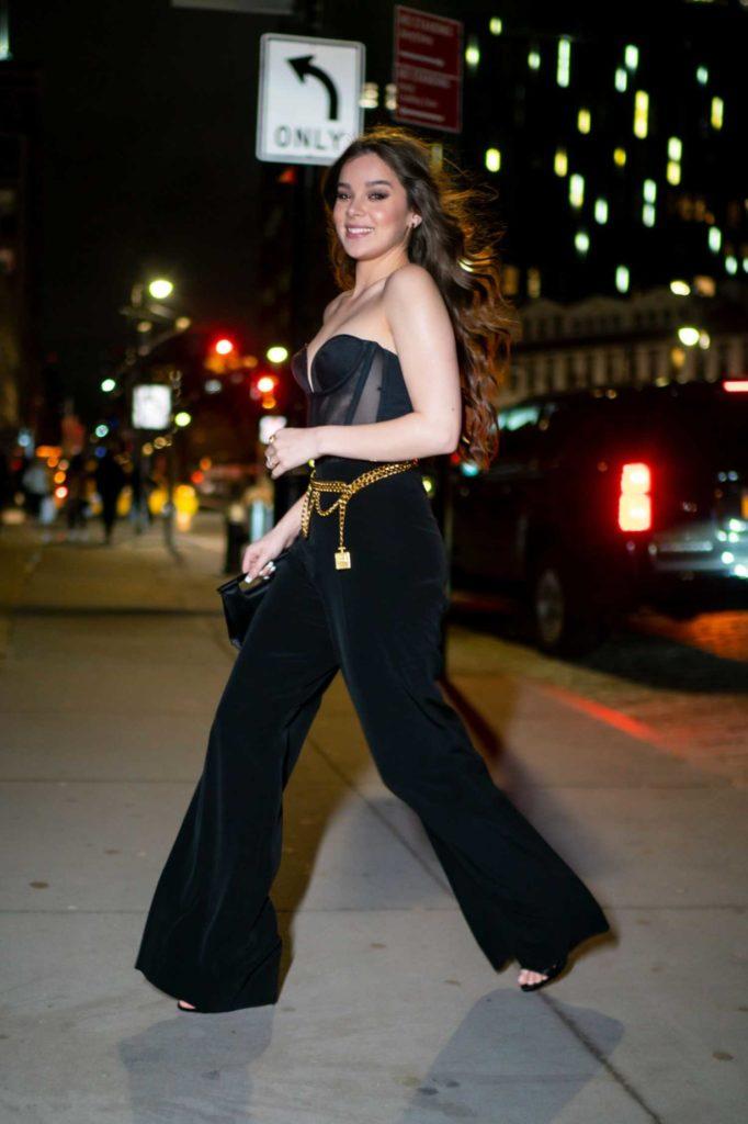 Hailee Steinfeld in a Black Pants