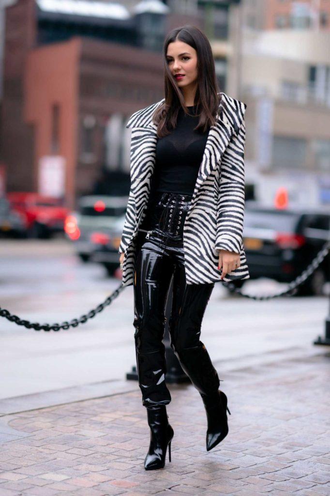 Victoria Justice in a Zebra Print Blazer