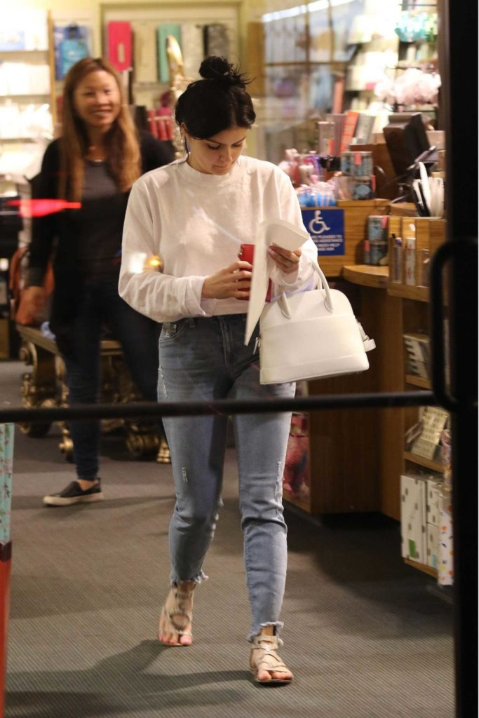 Ariel Winter in a White Long Sleeves T-Shirt