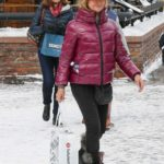 Goldie Hawn in a Beige Hat Was Seen Out in Aspen