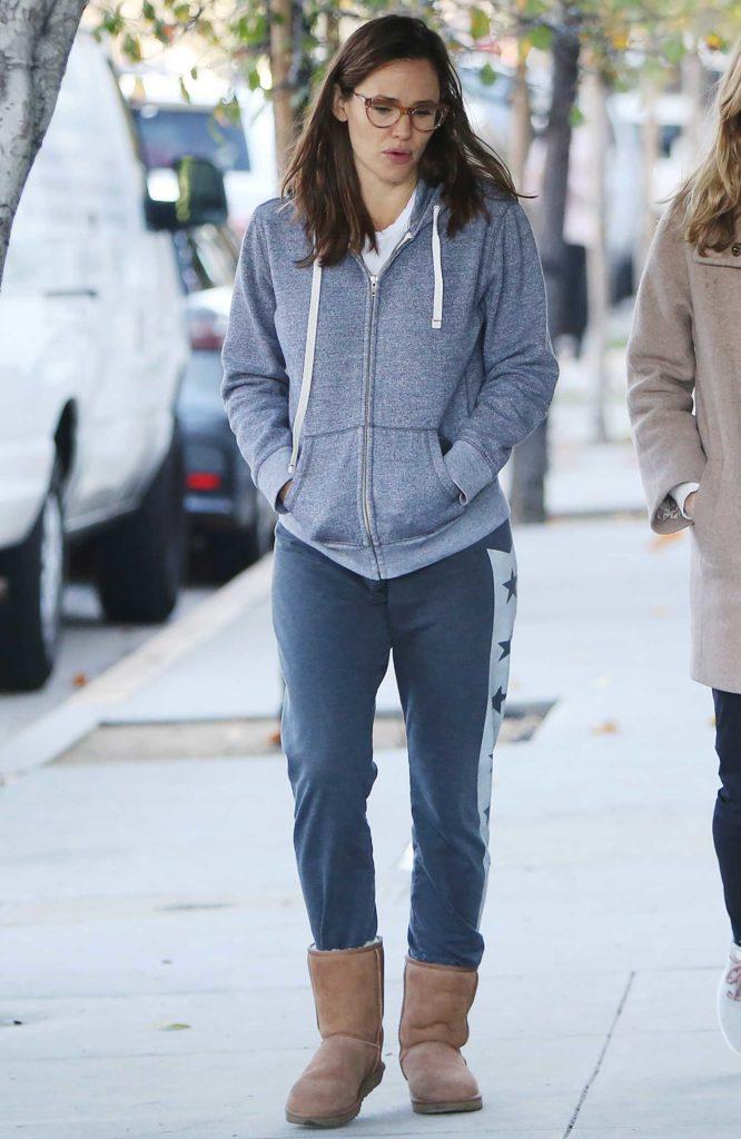 Jennifer Garner in a Gray Hoody