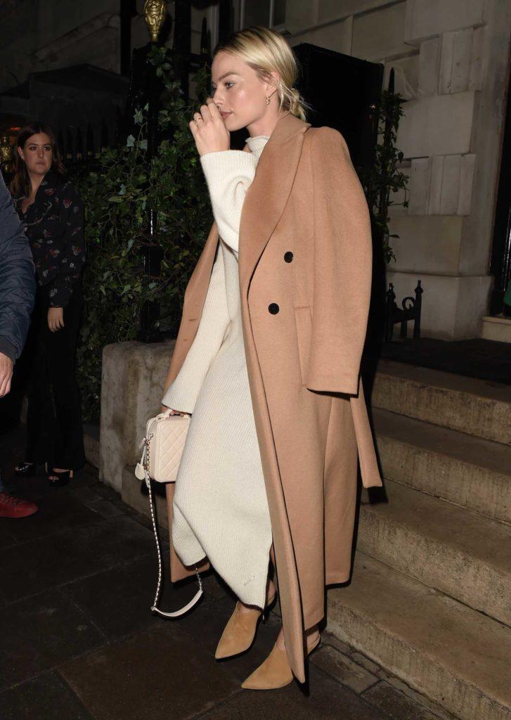 Margot Robbie in a Beige Coat