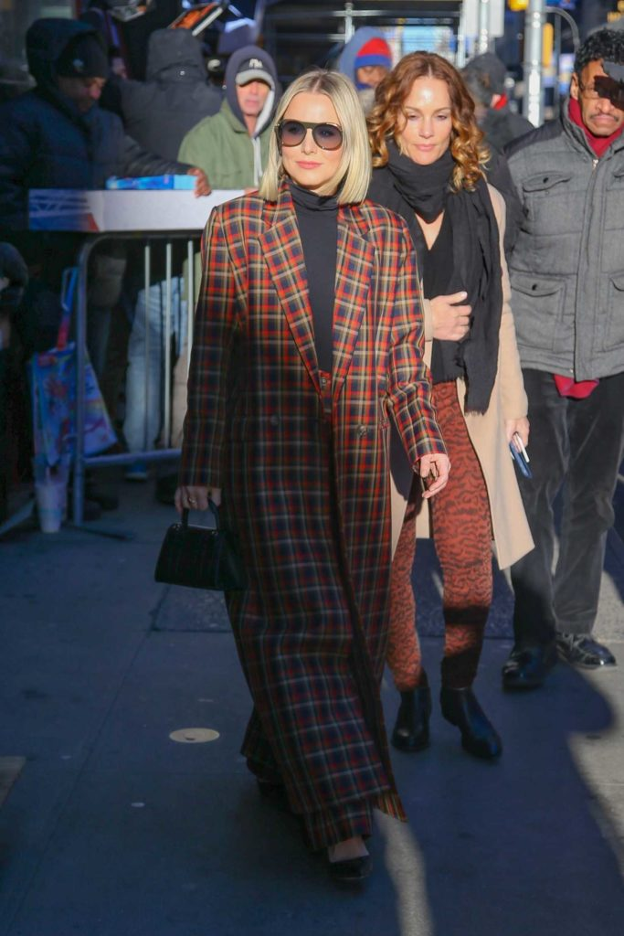 Kristen Bell in a Plaid Trench Coat