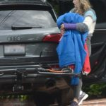 Ali Larter in a Black Sneakers Packing Up Her Car with Blankets in Los Angeles