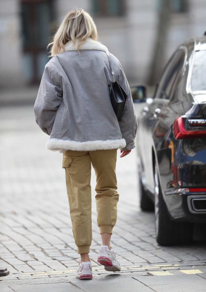 Ashley Roberts in a White Sneakers