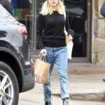 Emma Roberts in a Black Beret Out for More Grocery Shopping in Los Angeles