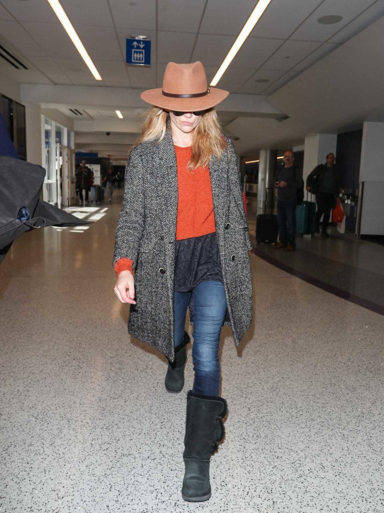 Natalie Dormer in a Tan Hat