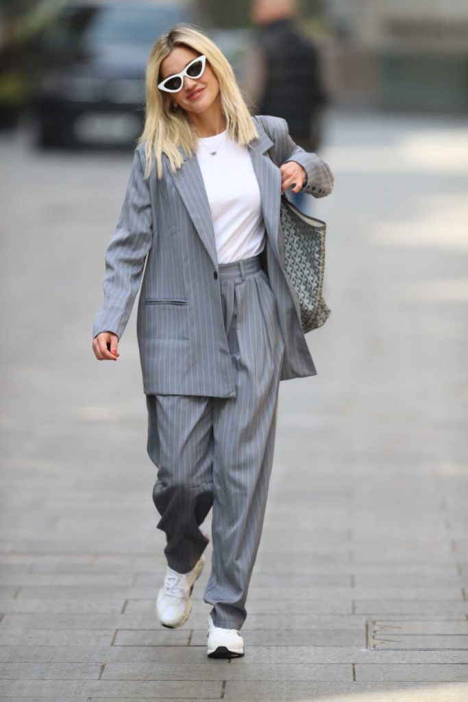 Ashley Roberts in a Gray Striped Trouser Suit
