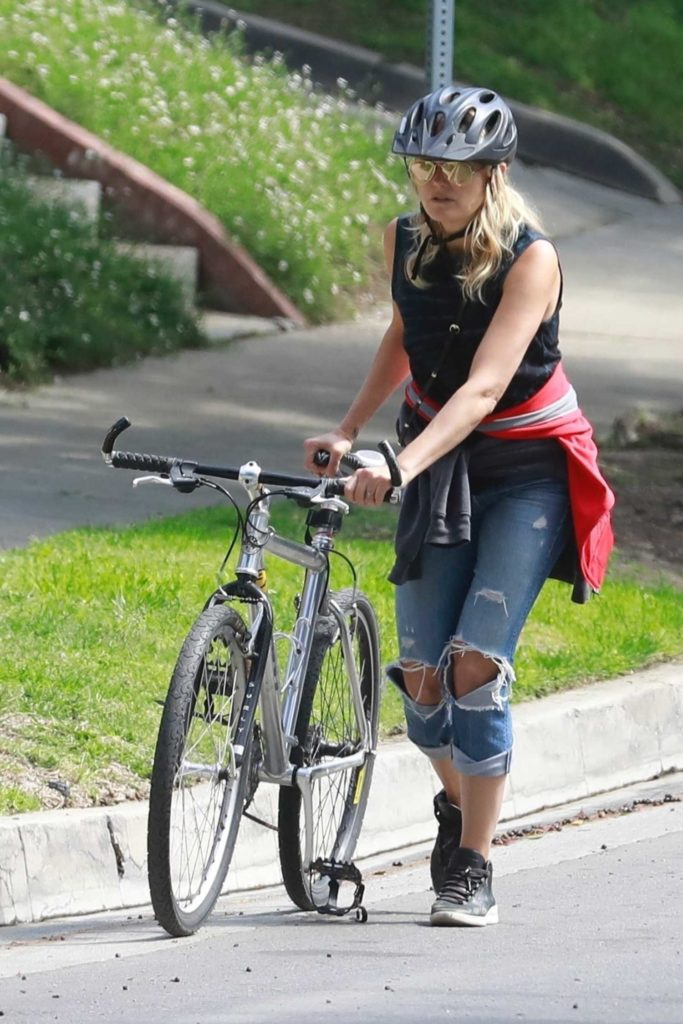 Malin Akerman in a Blue Ripped Jeans