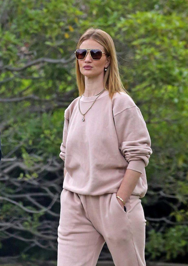 Rosie Huntington-Whiteley in a Beige Sweatsuit