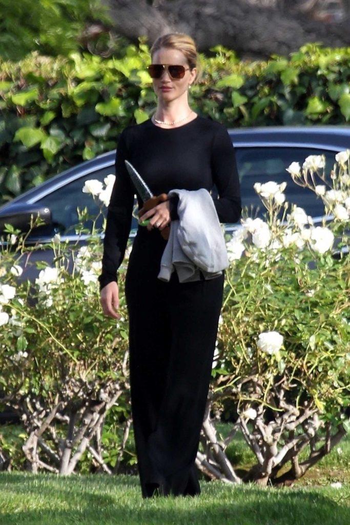 Rosie Huntington-Whiteley in a Black Pants