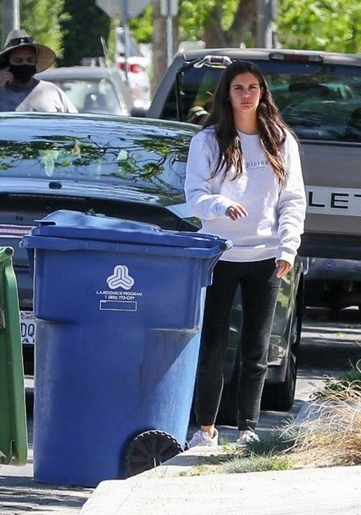 Sara Sampaio in a Gray Sweatshirt