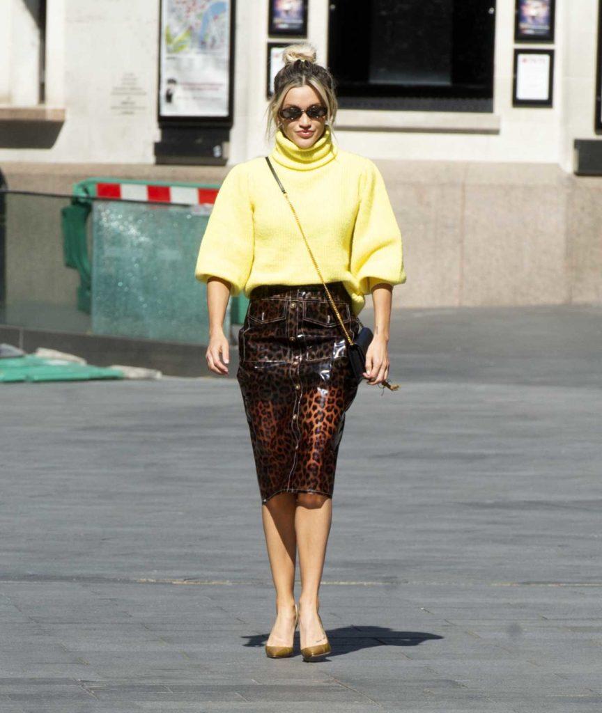Ashley Roberts in an Animal Print Skirt