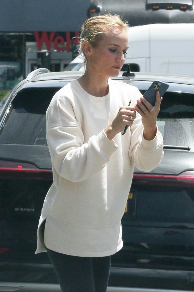 Diane Kruger in a White Sweatshirt