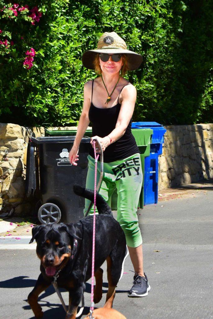 Lisa Rinna in a Green Sweatpants