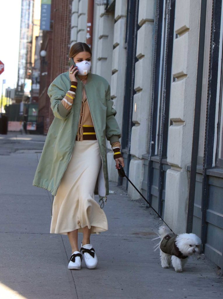 Olivia Palermo in a Face Mask