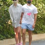Sophie Turner in a Protective Mask Was Seen Out with Joe Jonas in Encino