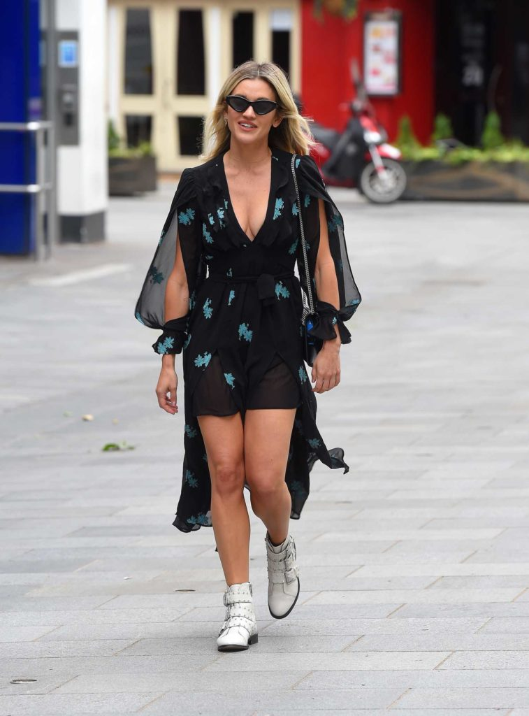 Ashley Roberts in a Black Floral Print Dress