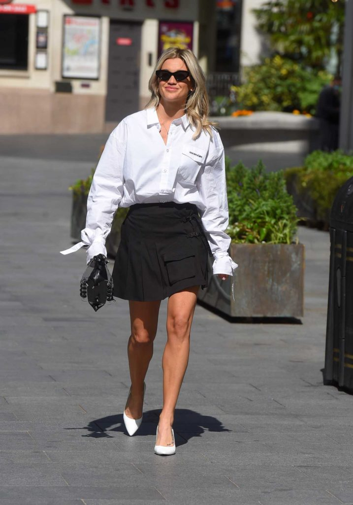Ashley Roberts in a White Shirt