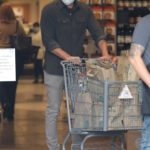 Ben Affleck in a Gray Shirt Goes Shopping Out with Ana de Armas and His Daughter Violet at Whole Foods in Brentwood