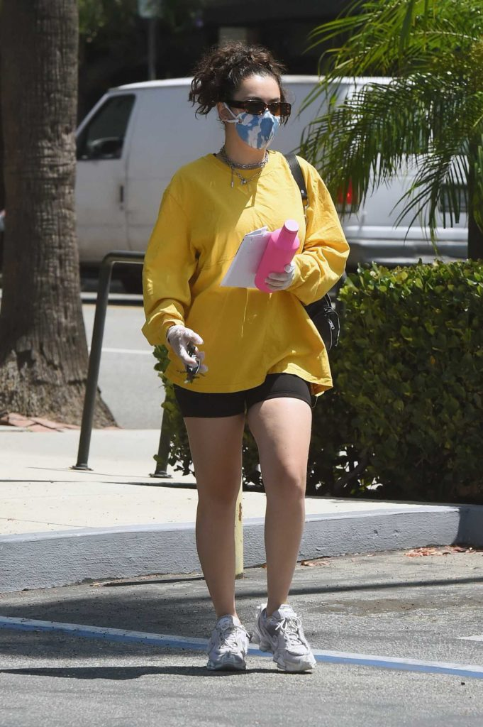 Charli XCX in a Yellow Long Sleeves T-Shirt
