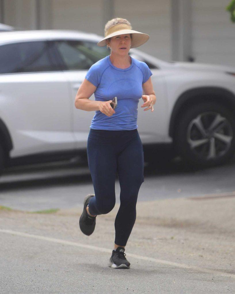 Christina Applegate in a Blue Tee