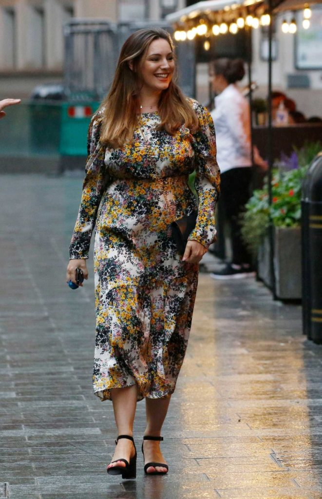 Kelly Brook in a Floral Print Dress