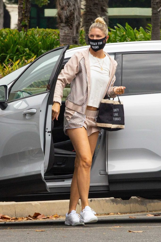 Amanda Kloots in a Black Protective Mask