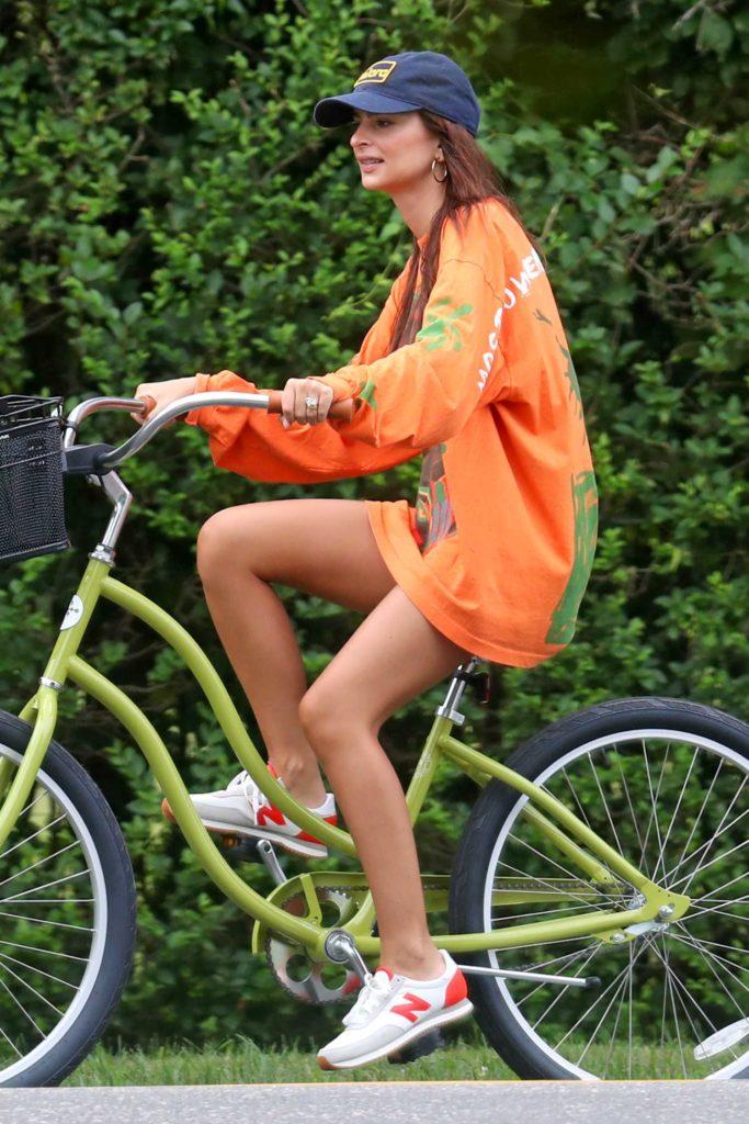 Emily Ratajkowski in an Orange Long Sleeves T-Shirt